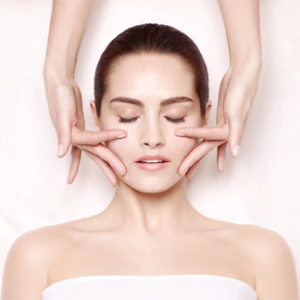 Read more about the article How medi facial is different from a regular facial?